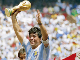 Quotes by Diego Maradona
